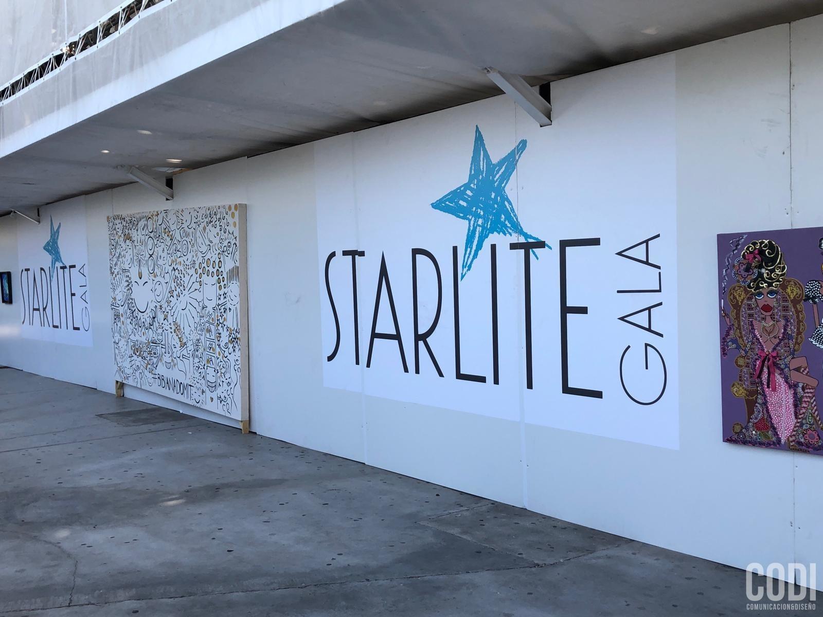 Exposición de arte con logo de Starlite