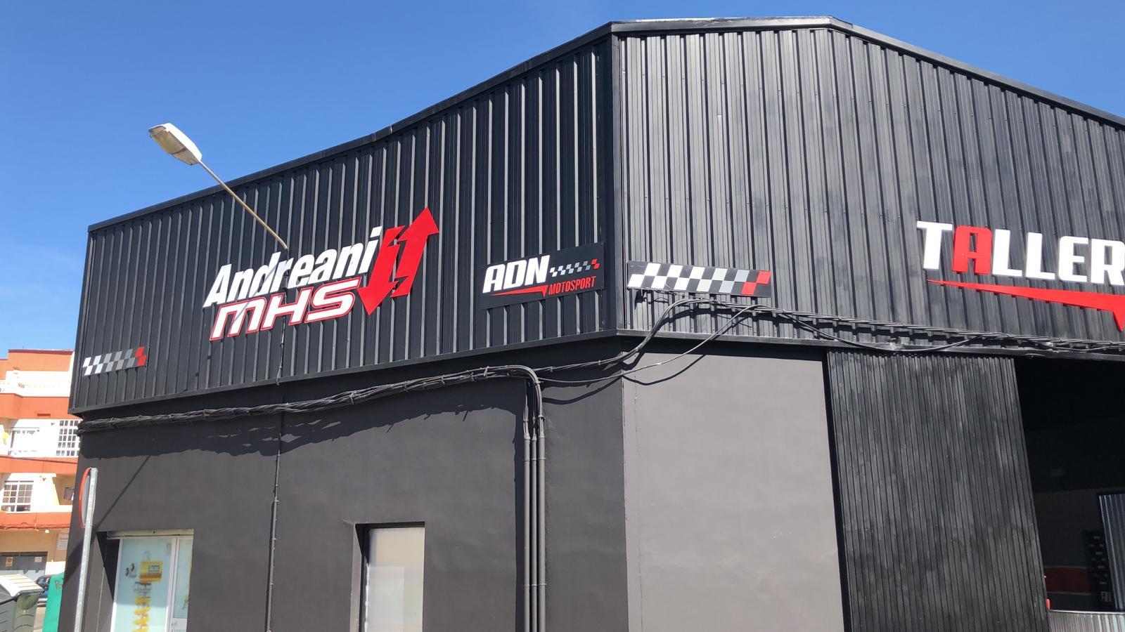 Exterior del local de ADN Motorsport