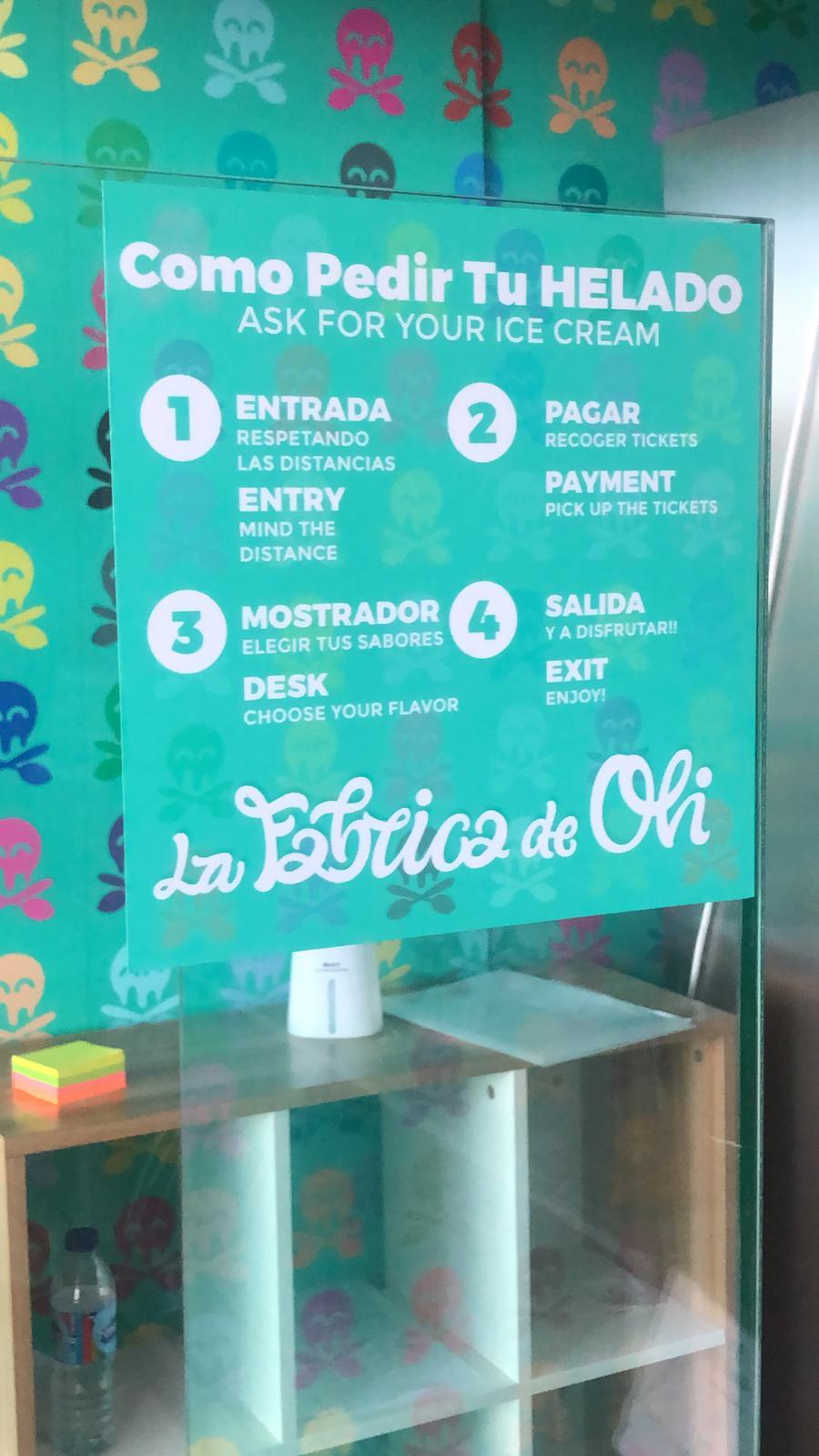 Cartel cómo pedir tu helado en La fábrica de Oli