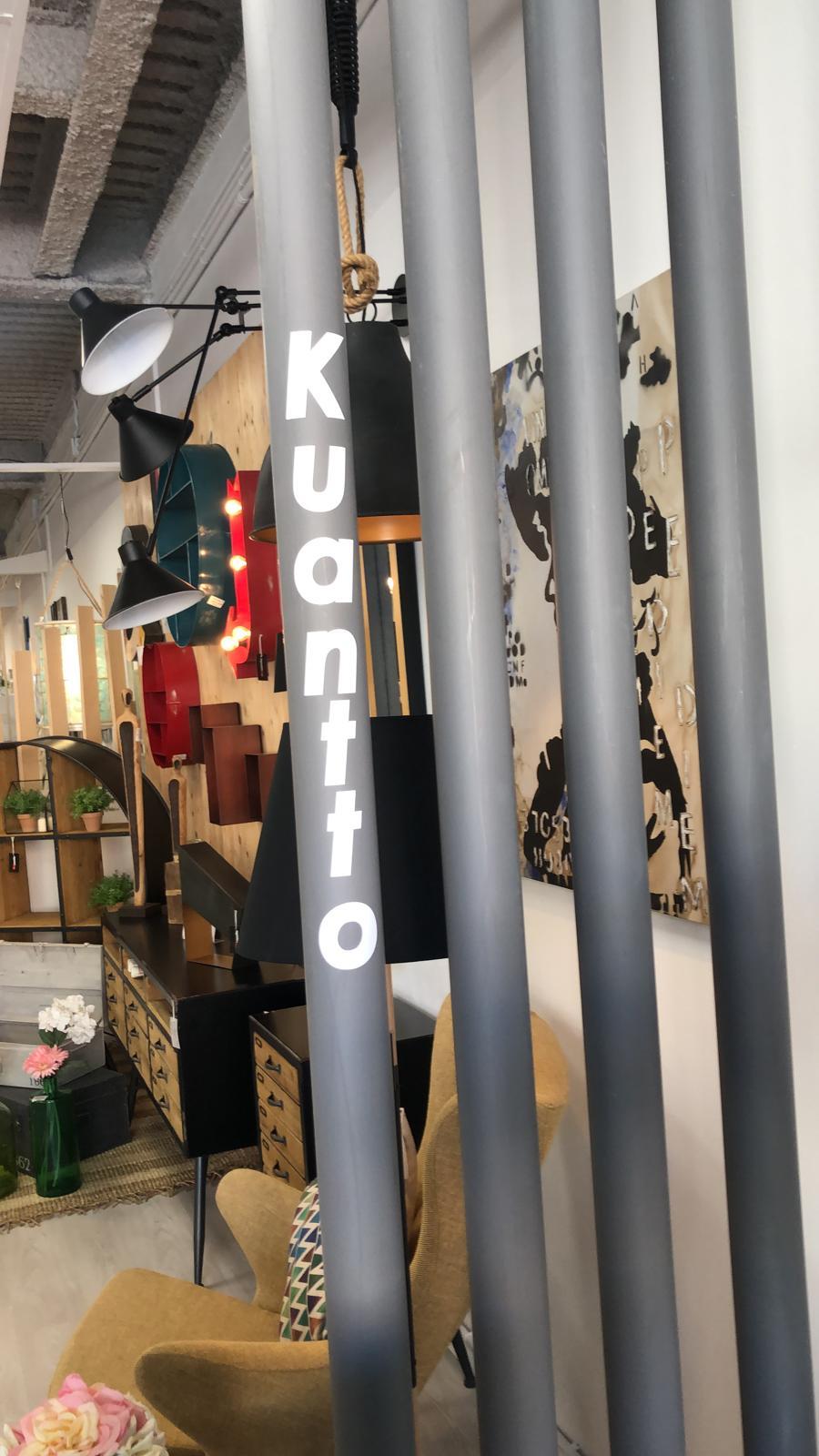 Logo de Kuantto home en vertical