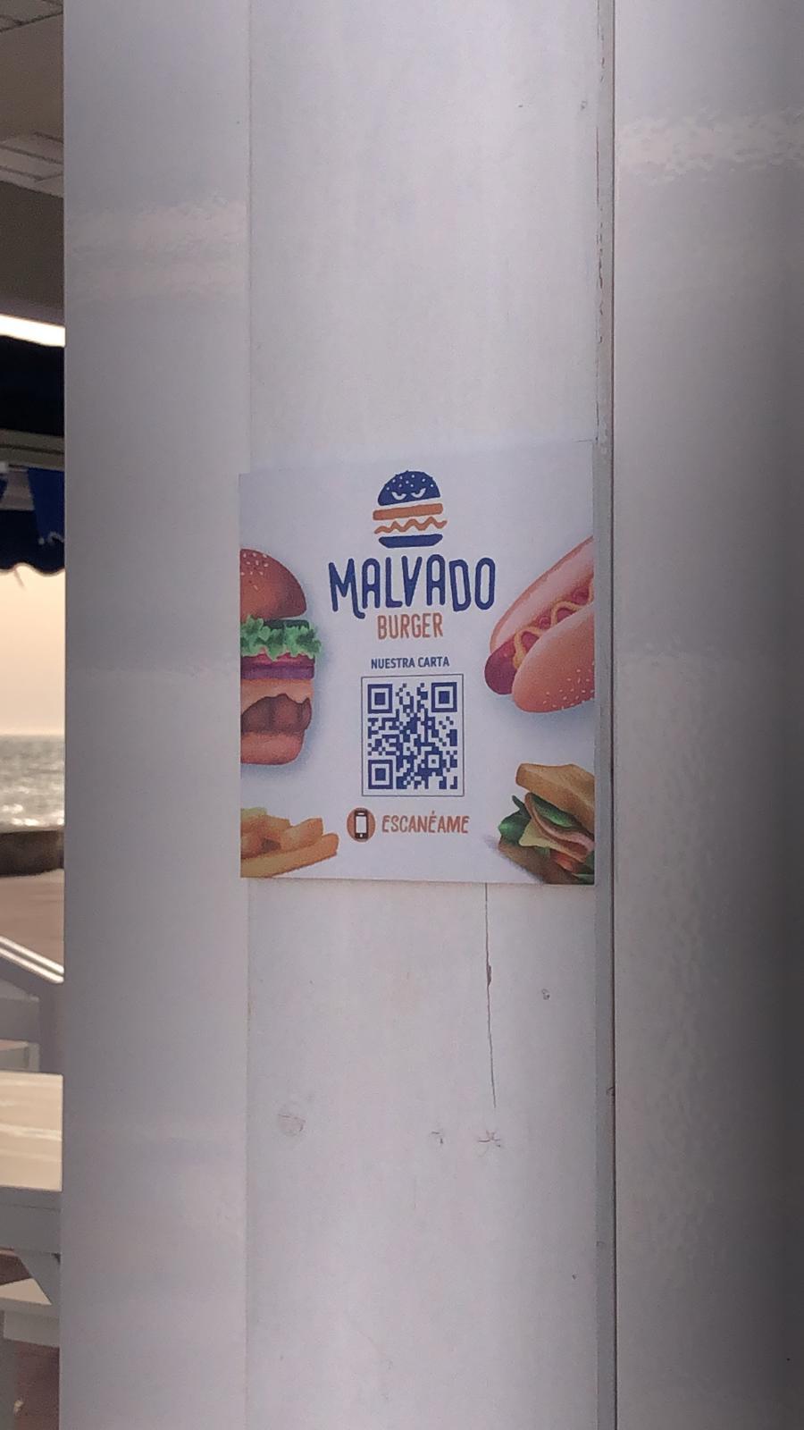 Código QR para menú situado en la pared